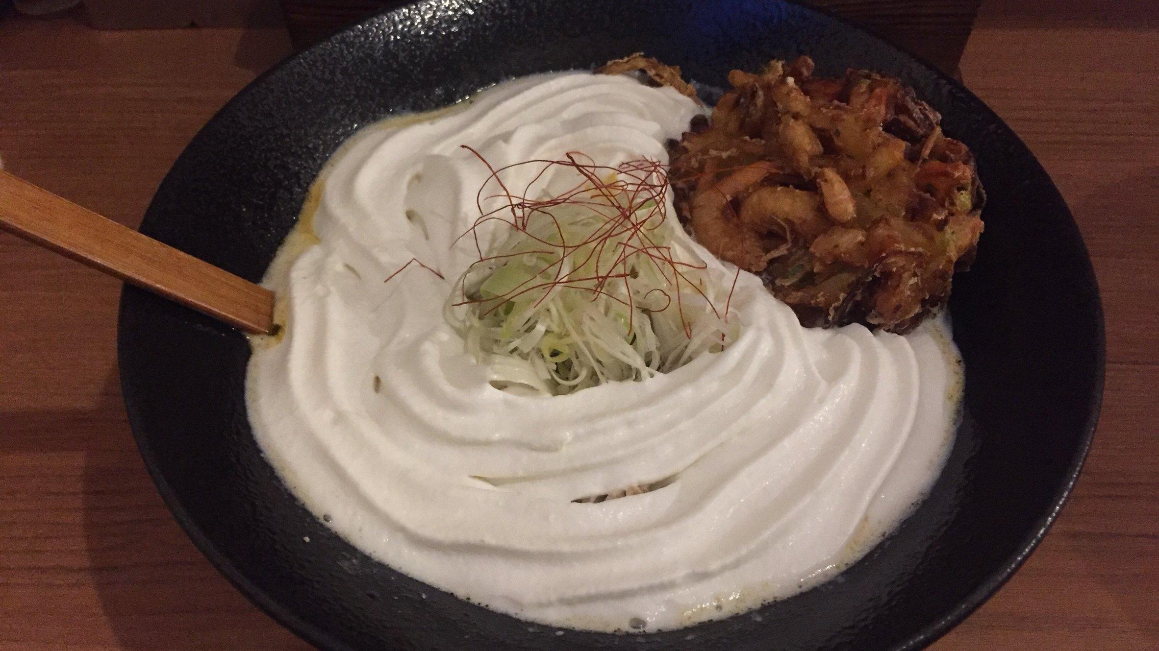【札幌】北海道咖喱饂飩 亀 で白いカレーうどんを堪能!【すすきの】