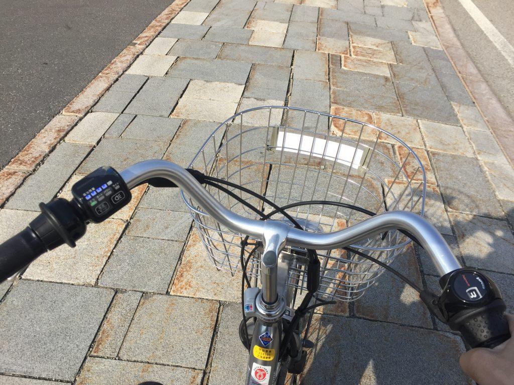 電動自転車は3段ギアもついてる