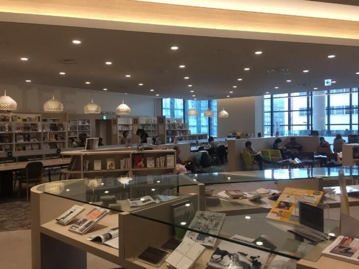 図書館「札幌市図書・情報館」の内側の様子