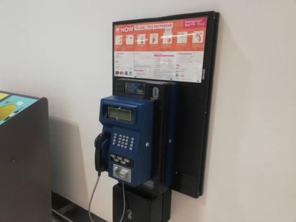 ニュージーランドのクライストチャーチ空港内にある公衆電話