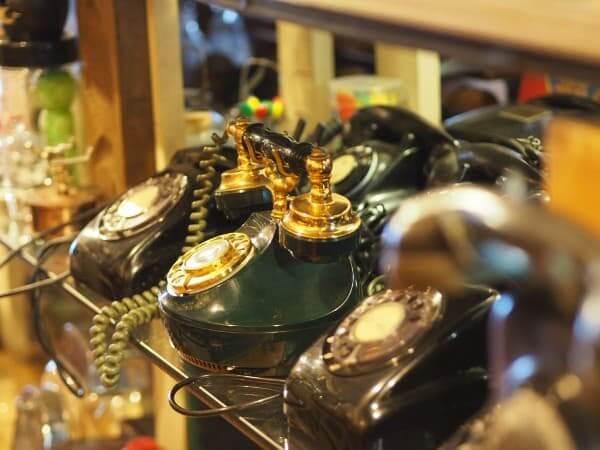 レトロスペース坂会館の黒電話
