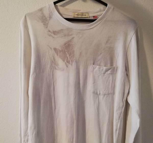 洗濯したら色移りした白い服