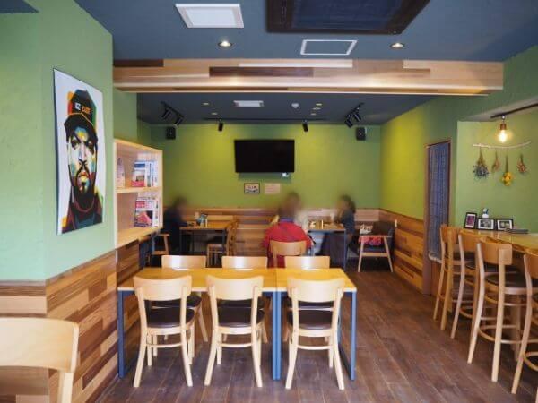 礼文島のカフェ「cafe Ru-We」店内