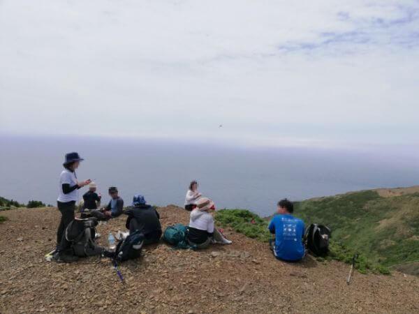 礼文島の愛とロマンの8時間コースの休憩場所