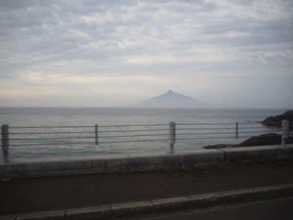 礼文島から見える利尻島