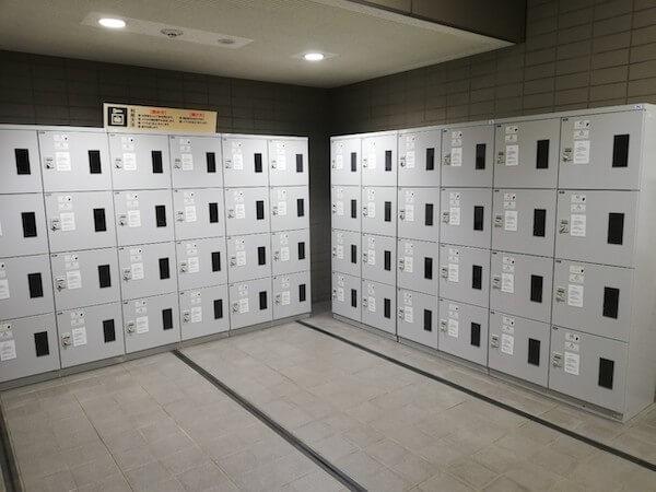 札幌中央図書館のロッカー