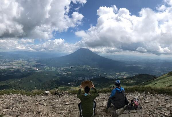 ニセコアンヌプリの山頂から見る羊蹄山