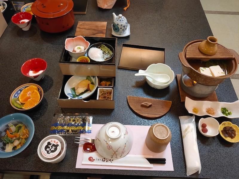 「花鐘亭はなや」の朝食